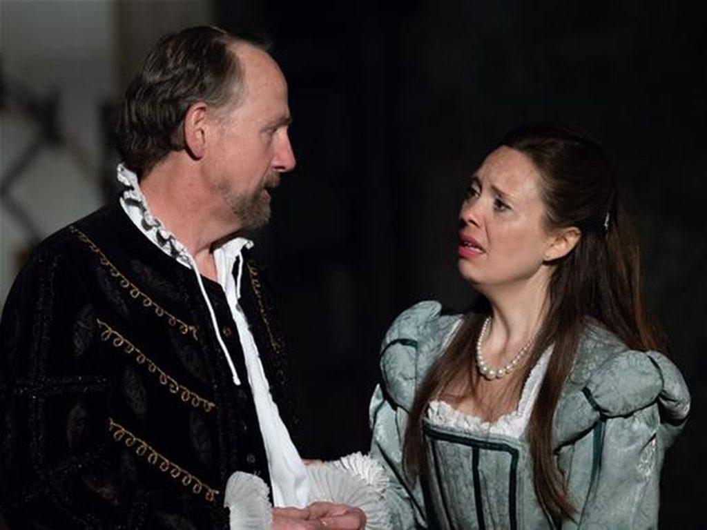 Liz Garland in Sir Walter's Women - credit Mike Hall